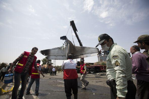 Las autoridades comprobaron que ocho pasajeros sobrevivieron, según ofic...