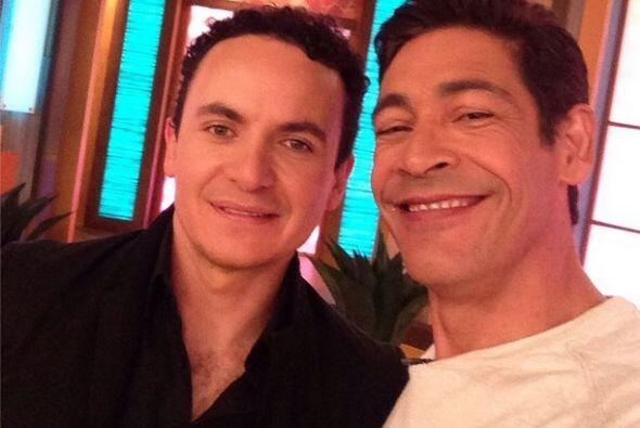"""""""Ya está con nosotros @Fonseca, en el programa #1 de las mañanas en #USA..."""