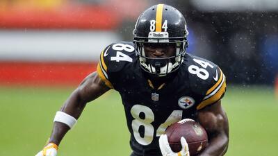 """Antonio Brown responde fuerte a críticas en Pittsburgh: """"Cámbienme"""""""