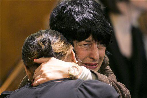 Los familiares de Hernández rompieron en llanto al escuchar el ve...