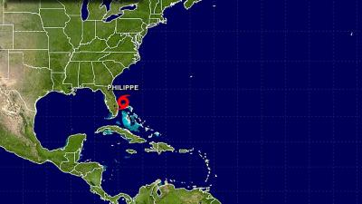 Philippe va rumbo a las Bahamas después de su paso veloz por el s...