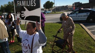 Inmigrantes a favor de una reforma migratoria durante una protesta.