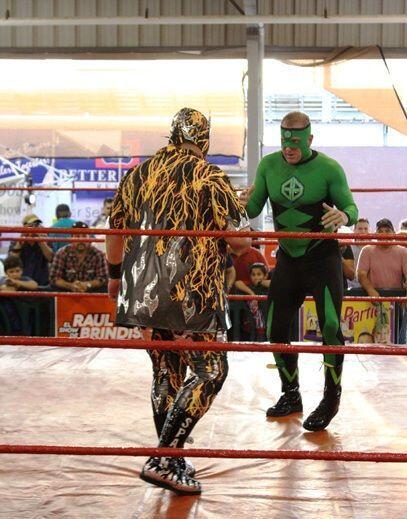 El domingo las personas disfrutaron de la lucha mexicana donde Green Gho...