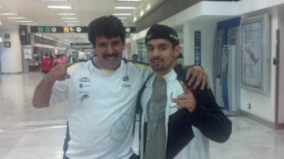 Lomelí llegó a Sudáfrica pra buscar el título superpluma de la FMB (Foto...