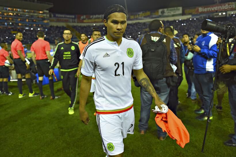 Rafa Márquez fue operado y se perdería Copa Confederaciones y Copa Oro 2...