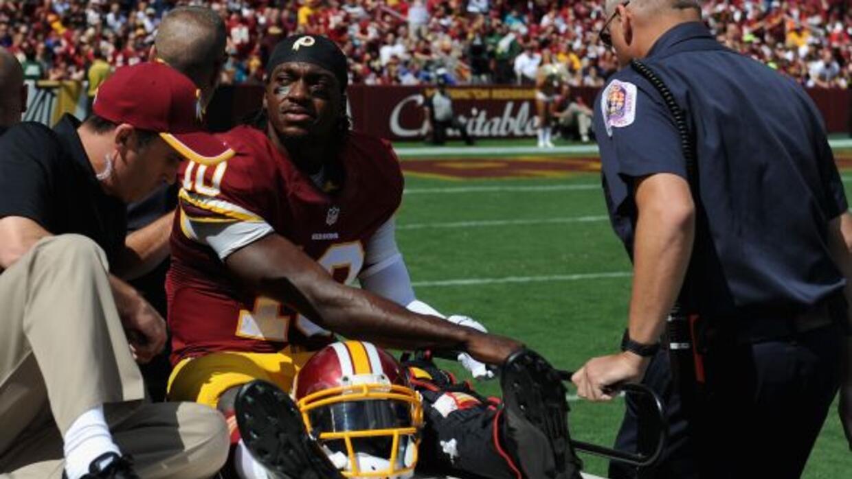 Durante el partido de la Semana 2. Robert Griffin III sufrió una lesión...