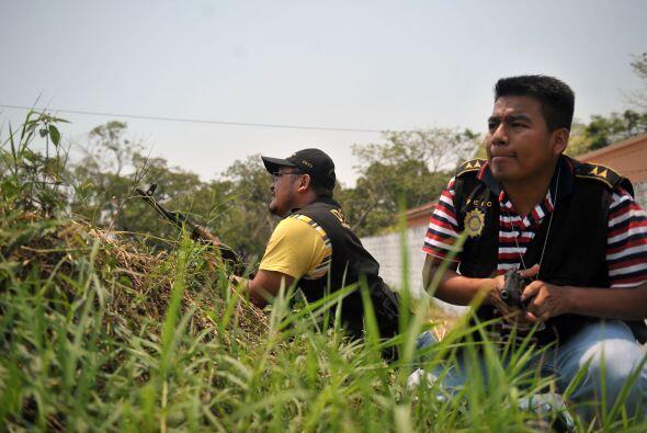Colom dijo que la policía intenta determinar si Salguero, que posee cuat...