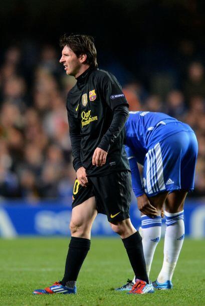 Lionel Messi fio un susto cuando parecía que se había lesionado, pero pa...