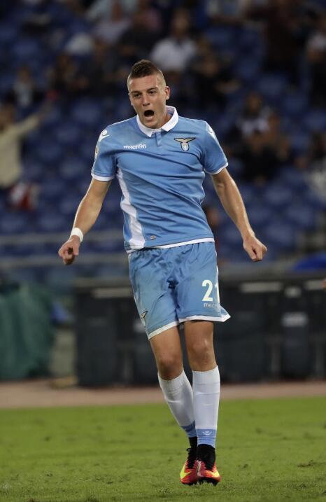 El serbio-español Sergej Milinkovic-Savic (Lazio) es una de las j...