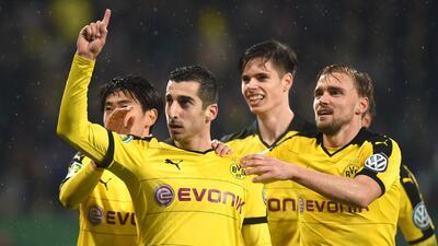 Borussia Dortmund goleó al Frankfurt de Fabián.
