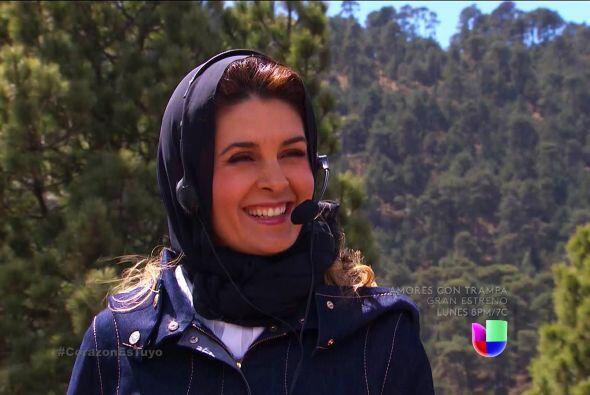 Te ves muy contenta Isabela, parece que ahora sí tendrás a Ana en tus ma...