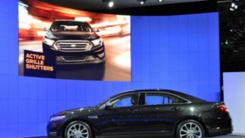 Ford presentó Ford Taurus ´SHO 2013 con un motor EcoBoost de 3.5 litros...