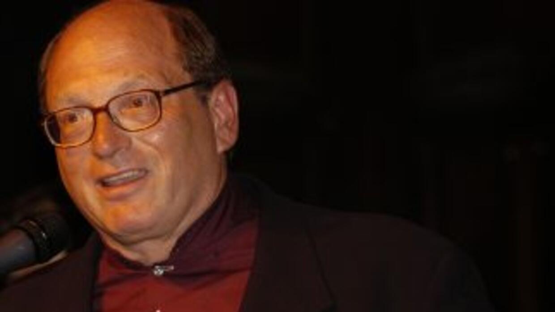 """El escritor cubano estadounidense """"scar Hijuelos, el primer novelista hi..."""