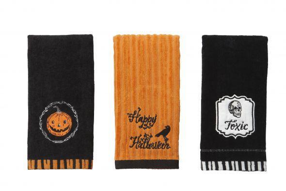 Mira los diseños en las toallas, todo puede ser contagiado por la noche...