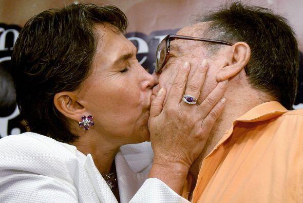 Después de una relación de casi 20 años la pareja se casó el 19 de novie...