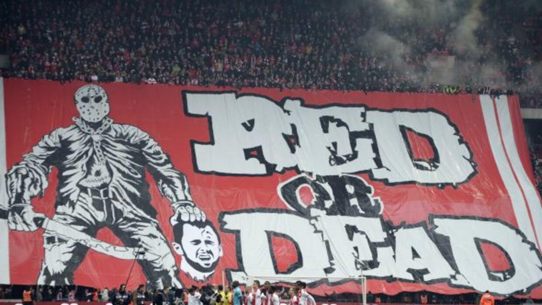 La bandera representa al jugador del Anderletch, Steven Defour.