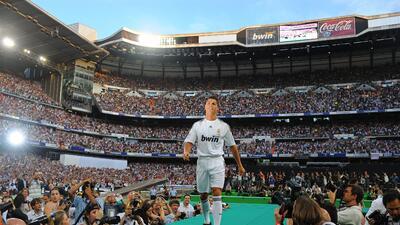 Así fue la presentación de Cristiano Ronaldo con el Real Madrid, hoy hace nueve años.