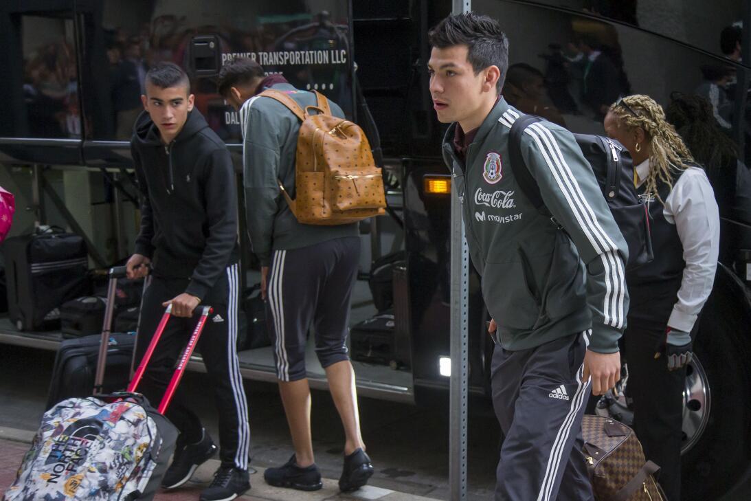 La lesión Néstor Araujo recuerda la del 'Chapito' Montes en 2014 2018032...