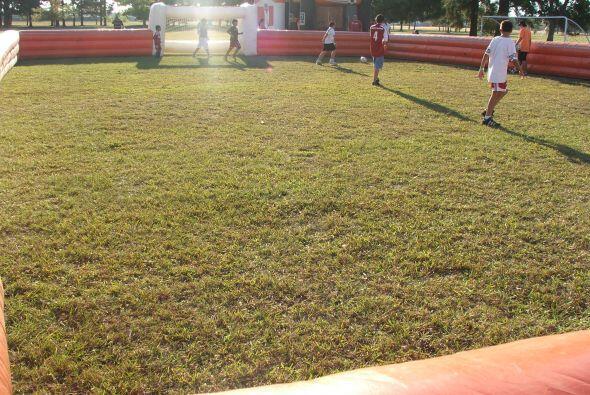 Este se realizó en el campo de fútbol del Lone Star College de esta ciudad.