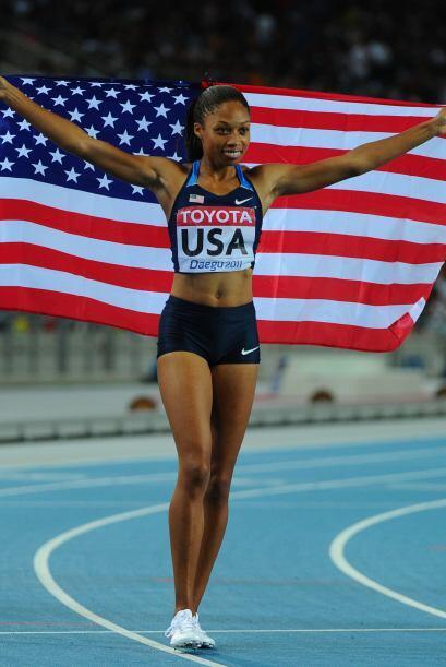 Allyson Felix consiguió el Oro con el equipo de Estados Unidos en 4x400.