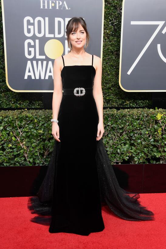 De luto contra el acoso sexual: actrices pasean la alfombra roja de los...