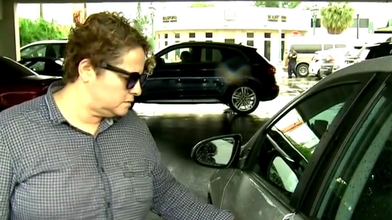 Mujer y trabajadora de Uber es multada en Miami al parecer por no hablar...