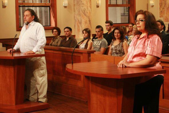 El demandante exige el divorcio debido a que su esposa es adicta a las t...