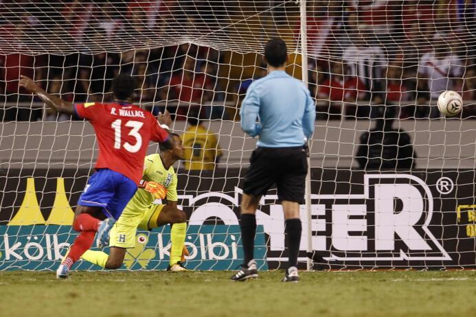 ¡Costa Rica es mundialista con gol de último minuto! ap-17281003858373.jpg