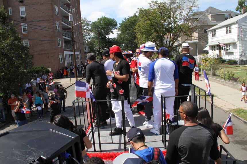Celebra La X en el Desfile Dominicano en NJ IMG_1850.JPG