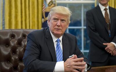 """Cuando Trump culpa a """"ambos bandos"""" por la violencia en Charlo..."""