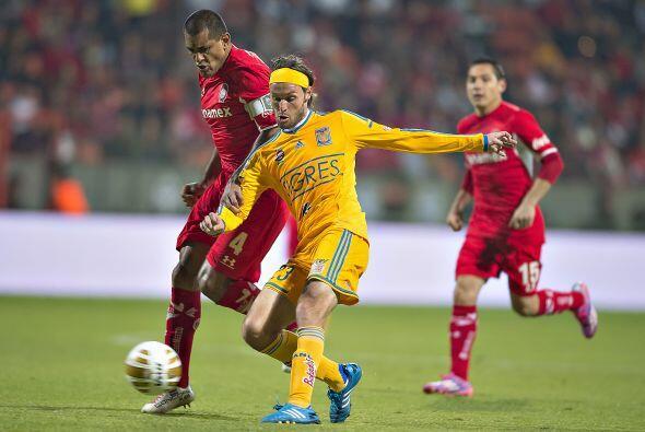 Con la intención de mejorar a la ofensiva, el timonel Ricardo Ferretti s...