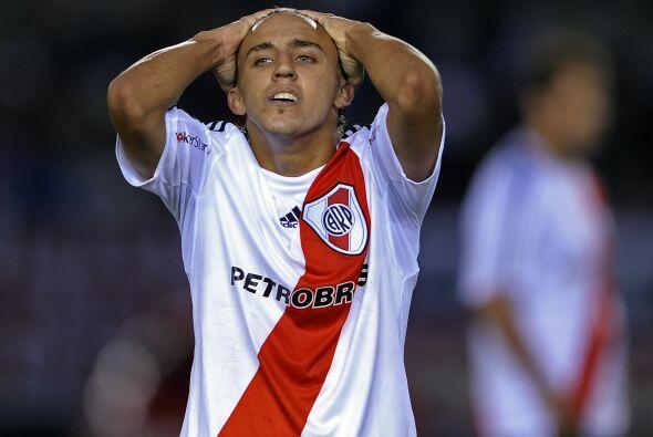 Decepción en la expresión de Diego Buonnanote, River Plate volvió  a dej...