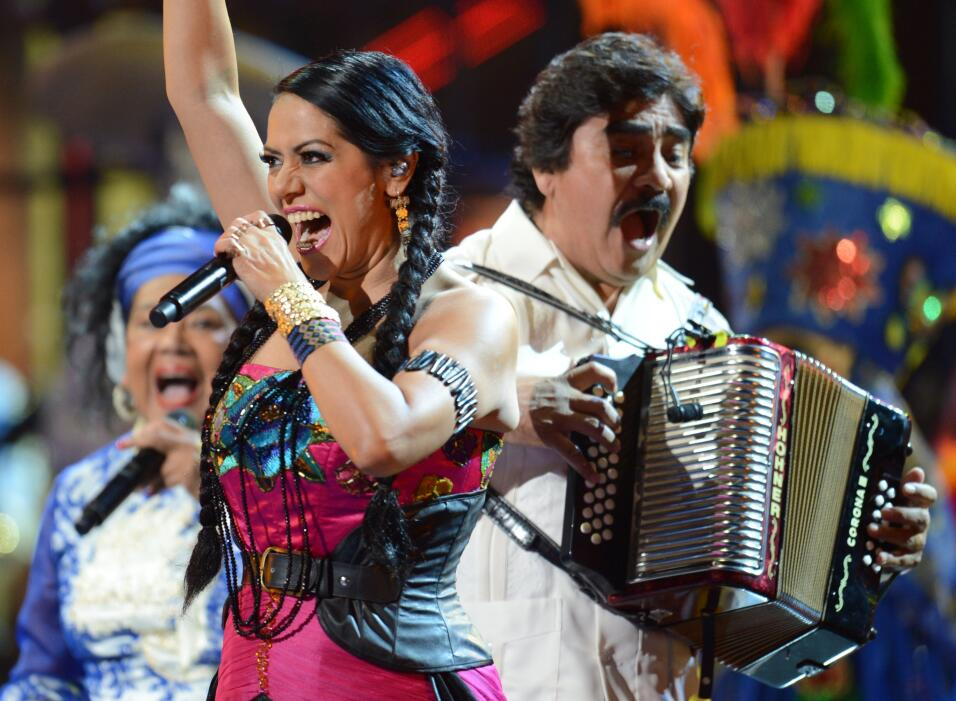 Lila Downs está nominada al Mejor Álbum Pop Vocal por Sal&...