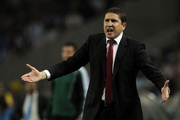 El técnico del Villarreal, Juan Carlos Garrido, le pedía m...