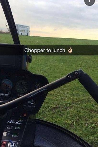 Que tal si nos vamos de almuerzo y tomamos el helicóptero!