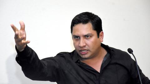 """""""¿No creen que es muy arriesgado decir que Julión Álvarez lava dine..."""