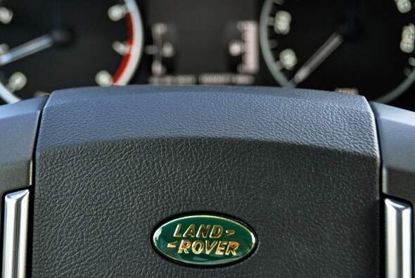 Land Rover se ha caracterizado por crear los mejores vehículos off-road...