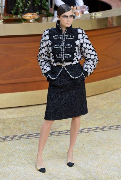 La sofisticación de Cara Delevingne se mostró con pasos fi...
