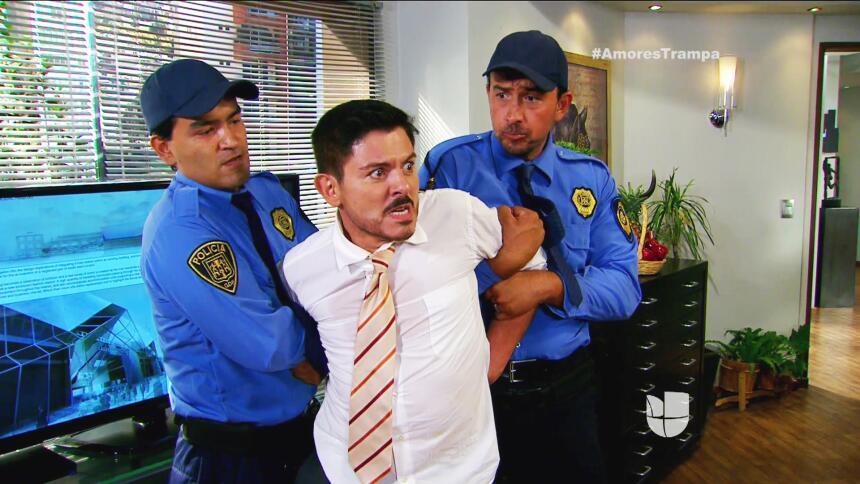 Facundo echó a la calle a Santiago!