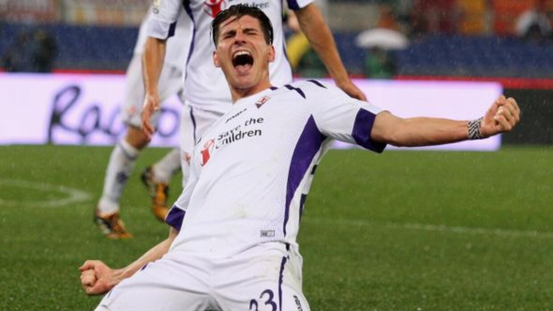 Mario Gómez, con sus dos goles, puso a la 'Fiore' en semifinales de Copa.