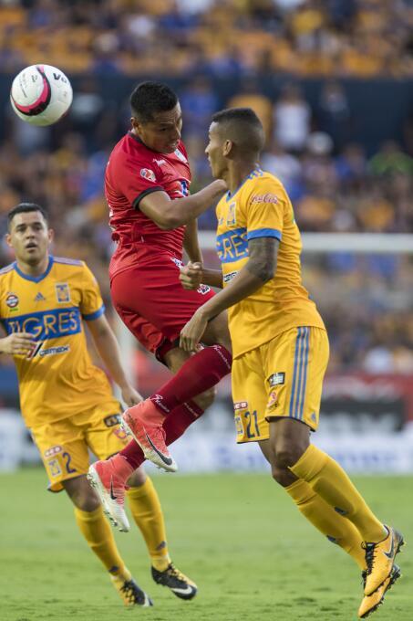 De la mano de Eduardo Vargas, Tigres derrotó a Lobos BUAP 20170826_8409.jpg
