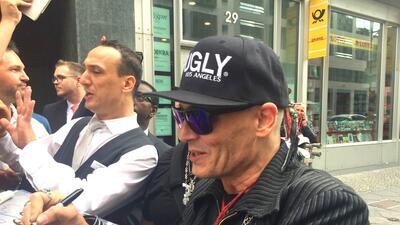 En fotos, Johnny Depp reaparece 'muy feo' y sus fans temen lo peor