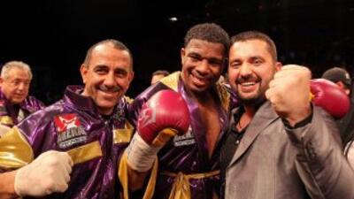 Odlanier Solís derrotó por TKO a Saglam en Alemania.