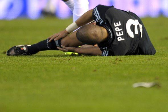 Luego se lesionó los ligamentos de la rodilla y podría estar afuera vari...