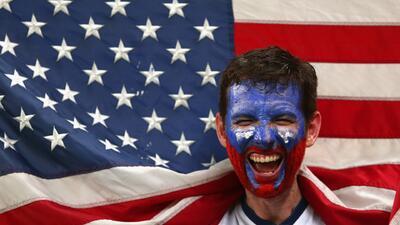 ¿Cómo se formó la bandera de Estados Unidos?