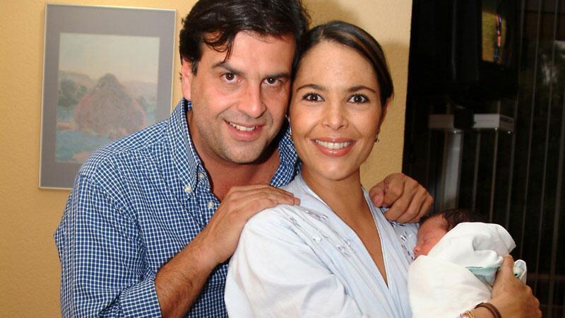 José María 'Pirru', Mariana Levy y su hijo José a unos días de n...