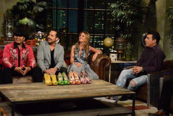 A Carlos le gustan las zapatillas, pero en las piernas de una chica.