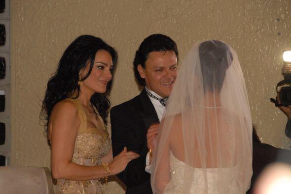Pedro y su esposa Rebeca estaban muy emocionados de ver realizada a su n...
