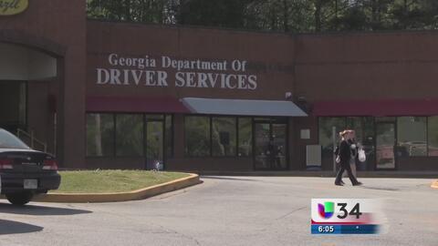 Residentes afectados por negación de licencias de manejo tienen una nuev...