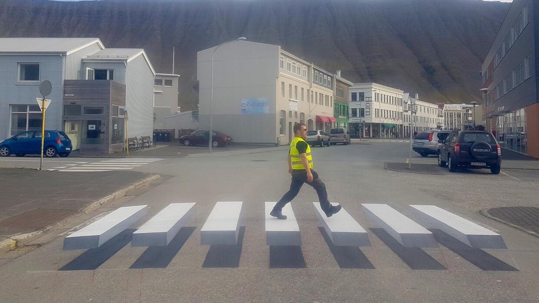 Pueblo islandés crea ingeniosa manera para reducir la velocidad en inter...